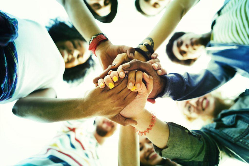 Groupe de personnes - Bouygues Telecom - Solidarité