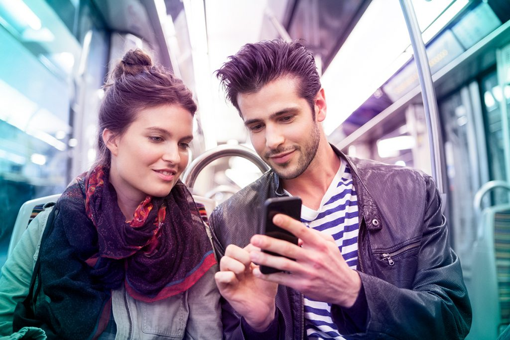 Couple - Tram - couverture 3G 4G - Nice