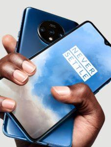 2 smartphones OnePlus 7T