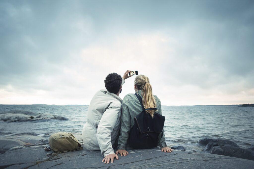 Couple Selfie - évolution du réseau mobile