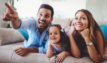 Père et Fille - Dossier Bouygues Telecom lance Bbox Smart TV
