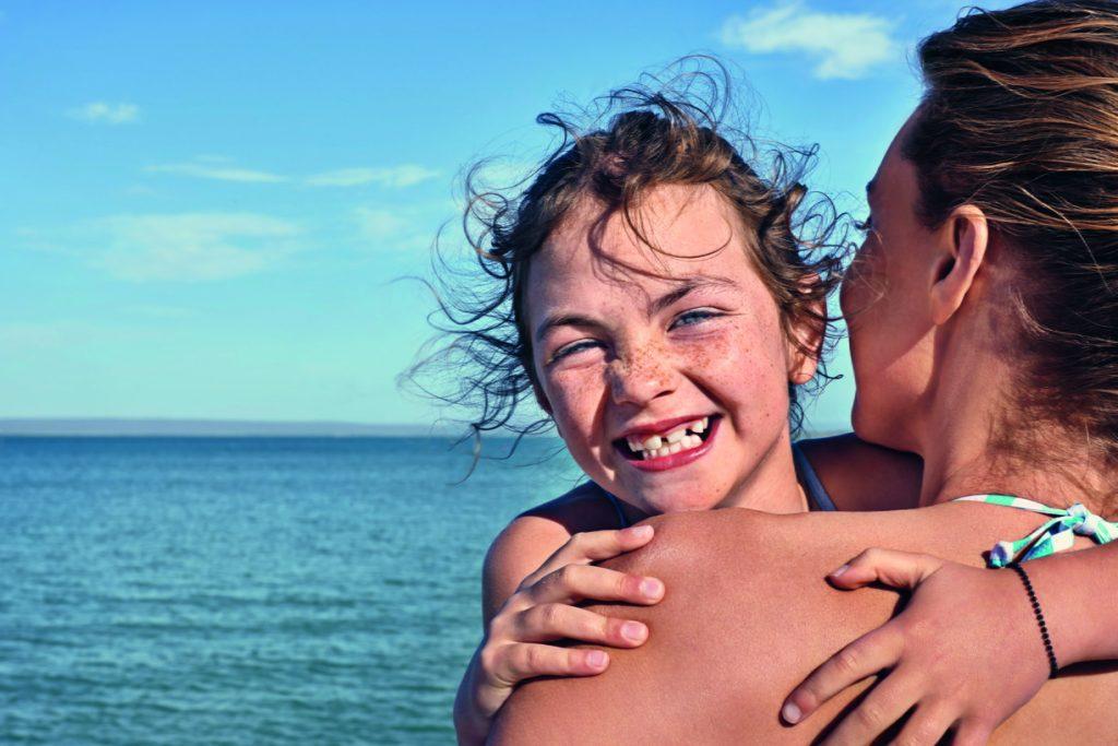 Mère - fille - 10 choses qui rendent heureux en vacances - Juillet Août