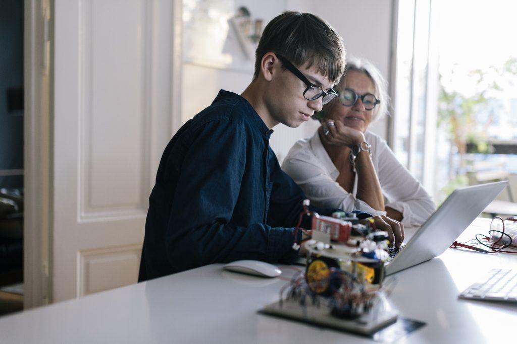Ensemble, Le Mag - Définition cyberharcèlement - Août 2020