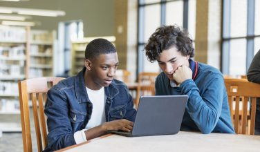 10 conseils pour prévenir le cyber-harcèlement - école - enfants