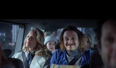 Famille en voiture - Noël 2020 - Publicité Bouygues Telecom - huîtres