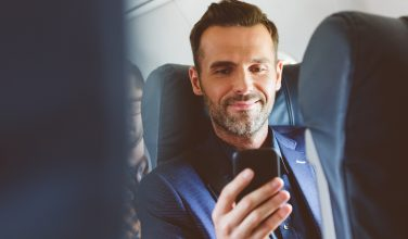 Homme - business - smartphone - services Pros