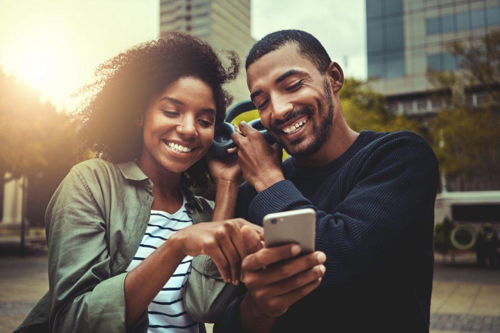 Couples - smartphones - témoignages